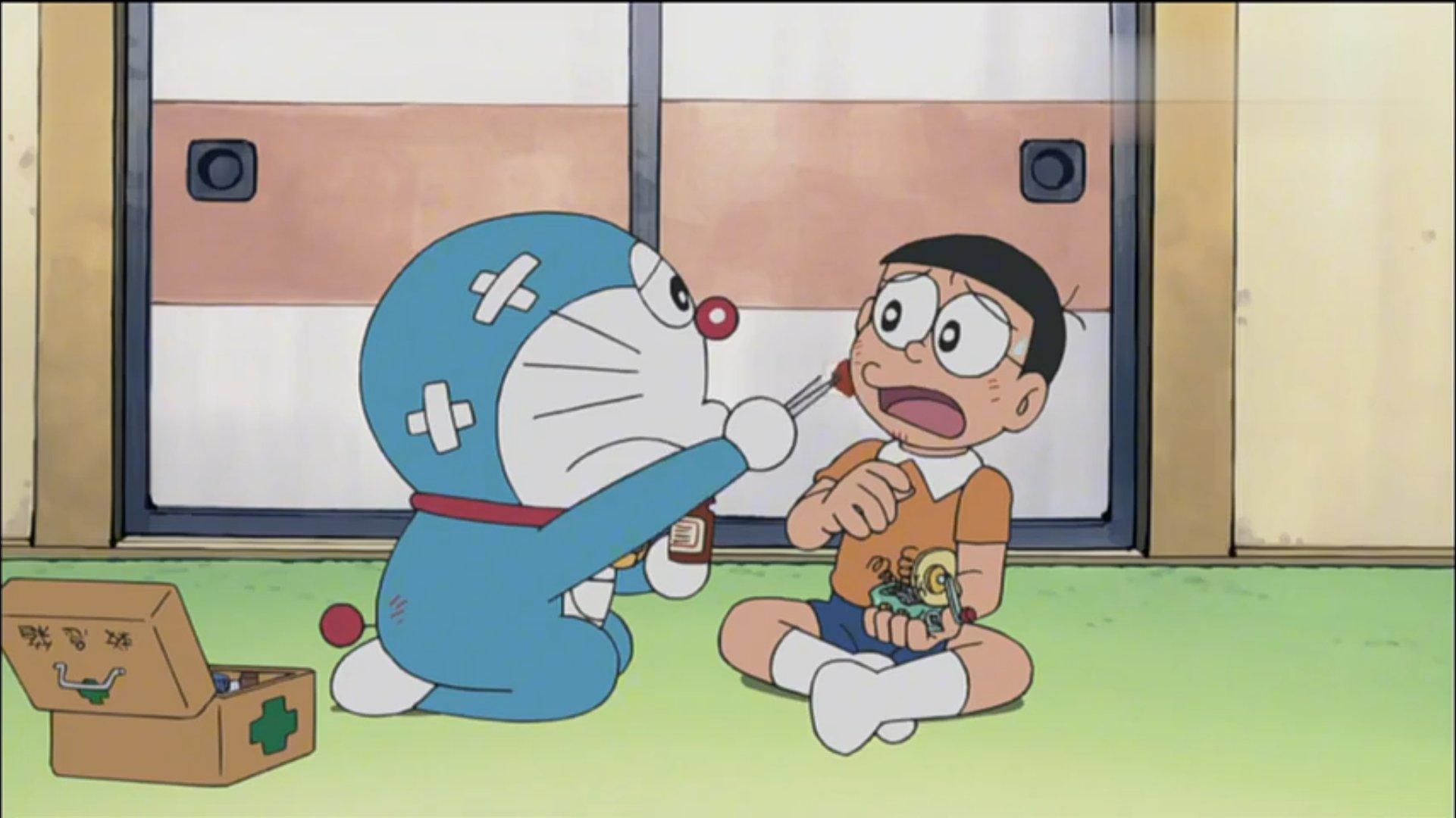 【视频】哆啦A梦:大雄一不小心就长大了,而且还和儿子抢礼物