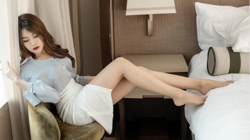 美女大长腿许诺居家写真4k高清壁纸