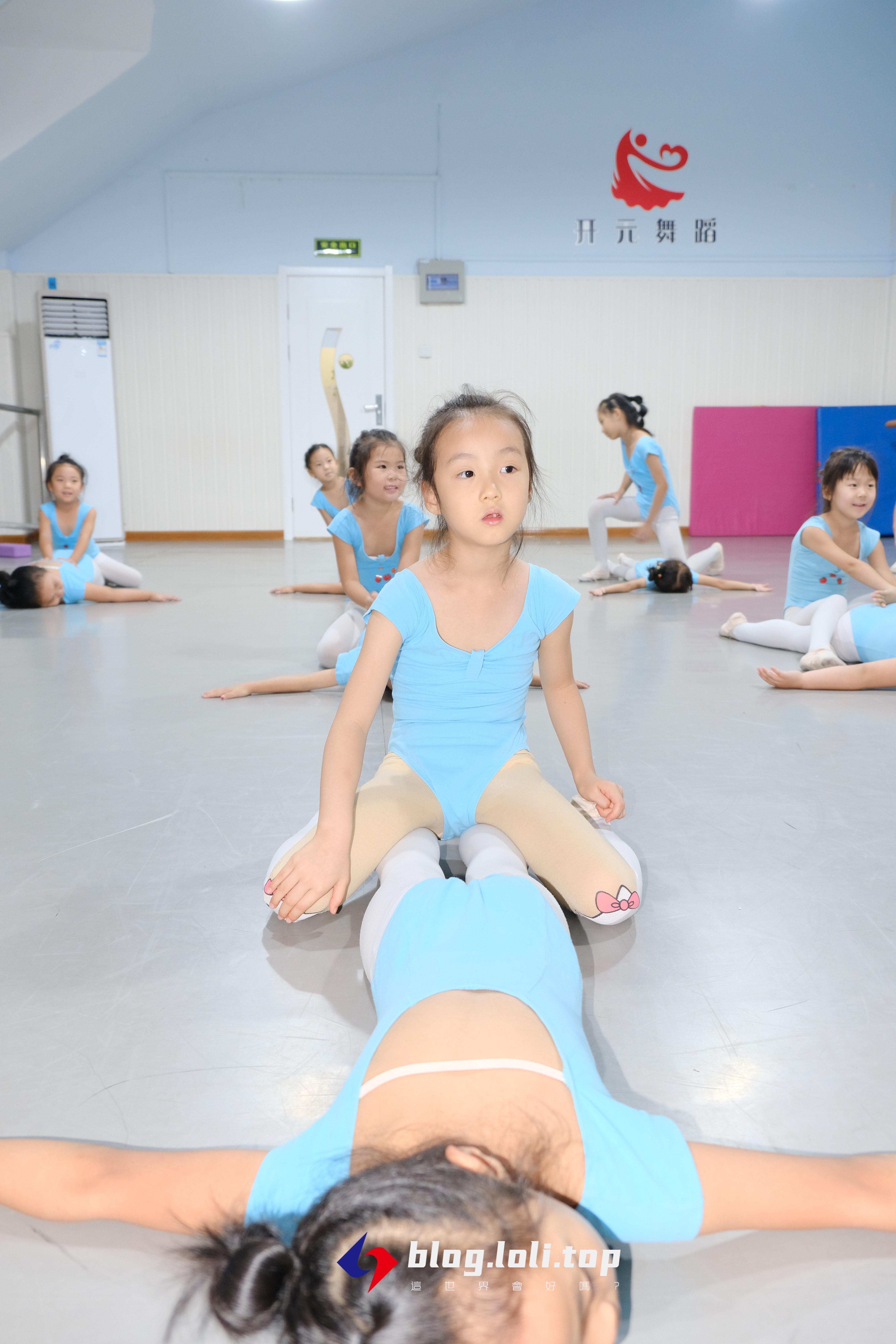 舞蹈少女.JPG